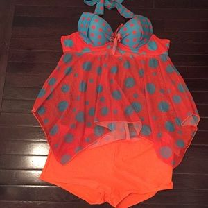 Other - Brand New Polka Dot tankini